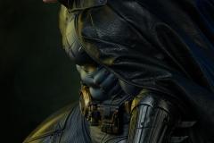 dc-comics-batman-premium-format-figure-sideshow-300542-02