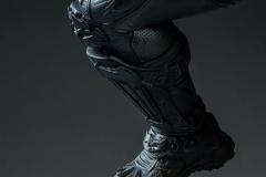 dc-comics-batman-premium-format-figure-sideshow-300542-16