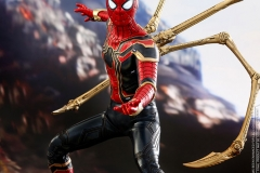 marvel-avengers-infinity-war-iron-spider-sixth-scale-hot-toys-903471-02