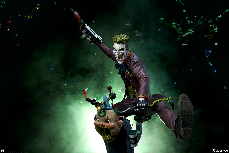 dc-comics-the-joker-premium-format-figure-sideshow-300473-02