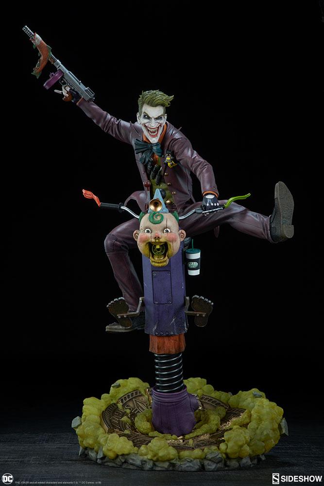 dc-comics-the-joker-premium-format-figure-sideshow-300473-05