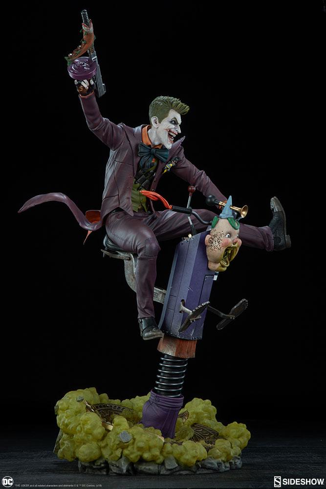 dc-comics-the-joker-premium-format-figure-sideshow-300473-08
