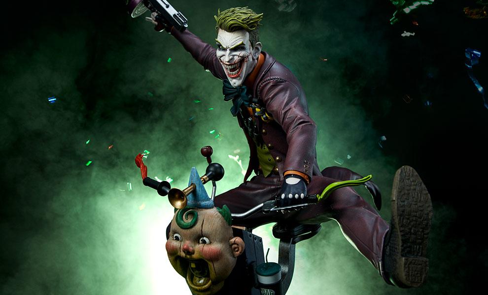 dc-comics-the-joker-premium-format-figure-sideshow-feature-300473-1