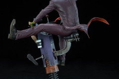 dc-comics-the-joker-premium-format-figure-sideshow-300473-10