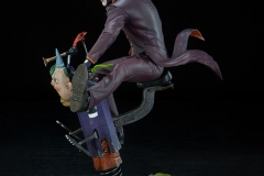 dc-comics-the-joker-premium-format-figure-sideshow-300473-11