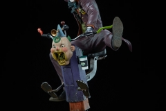 dc-comics-the-joker-premium-format-figure-sideshow-300473-12