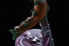 dc-comics-the-joker-premium-format-figure-sideshow-300473-17
