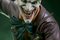 dc-comics-the-joker-premium-format-figure-sideshow-300473-35