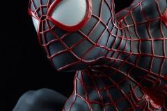 marvel-spider-man-miles-morales-premium-format-figure-sideshow-300554-13