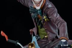 dc-comics-the-joker-premium-format-figure-sideshow-300473-13